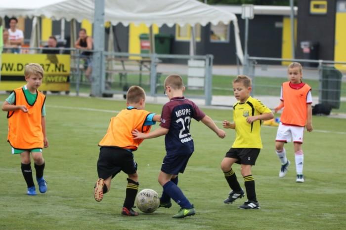 DOS'37 Voetbal- en Keepersschool